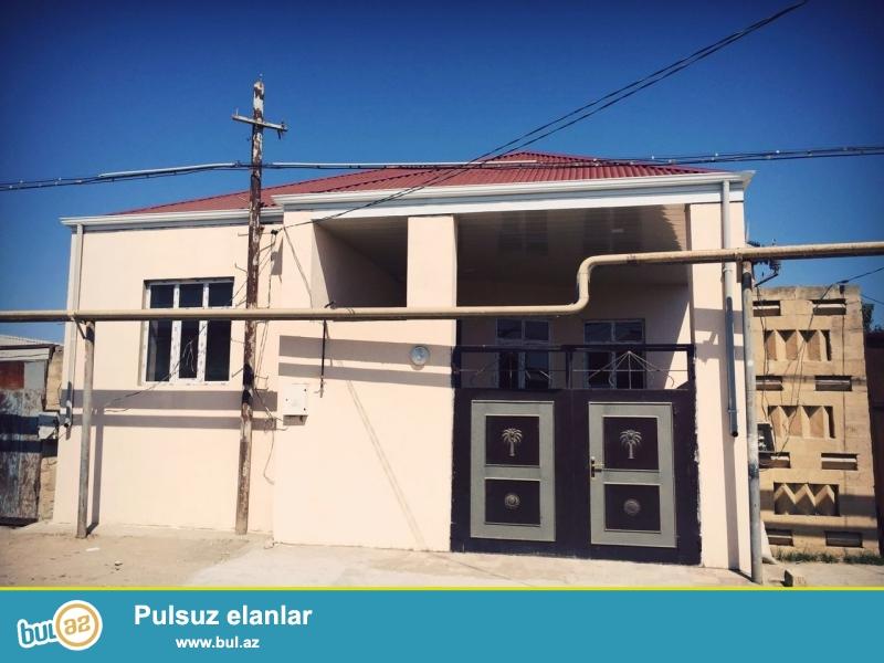 Binəqədi qəsəbəsi, Cəfər cabbarlı küçəsində, 90 m2 içində, 2 otaqlı, əla təmirli ev satılır...