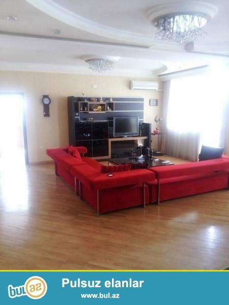 Срочно! Возле Милли Банка сдается в аренду 3-х комнатная квартира нового строения, 11/14, площадью 130 квадрат...