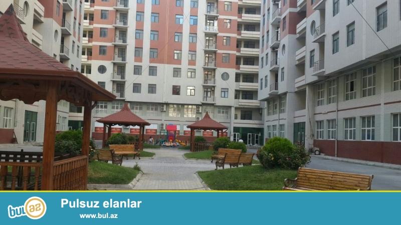 Yasamal rayonu Tbilisi prospektinde insaa edilmis kompleks  binanin 4-cu mertebesinde, umumi sahesi 50 kvm olan 1 otaqdan 2 otaga duzelme super temirli menzil satilir...