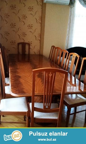 12 neferlik yemek masası uz.3metrdir az işlenib ela veziyyetdedir Dubaydan 3500$alınıb.
