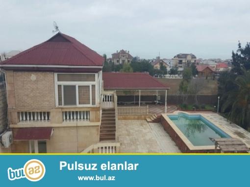 Mərdəkanda 56 sotda,bağ evi satılır,super təmirli villa var içində...