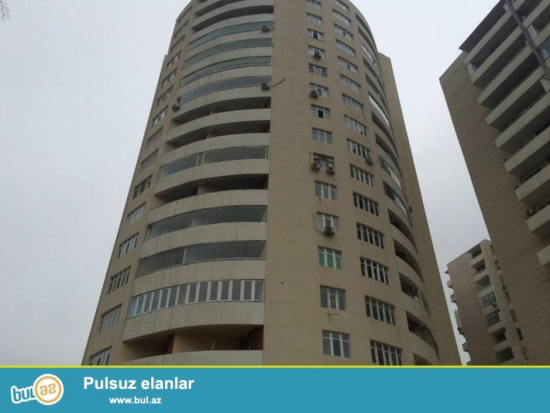 Pr. Nərimanov, Elimlər metrosunun yanı Zahid Xəlilov küçəsi yeni inşa edilmiş və tam yaşayışlı bina 17-16, 3 otaqlı düzəldilib 4 otağa mənzil satılır...