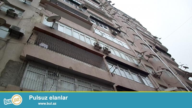 xırdalanın mərkəzində QAZLI KUPÇALI heydər əliyev parkının yaxınlığında 17 mərtəbəli binanın 5-ci mərtəbəsində supertəmirli ev satılır...