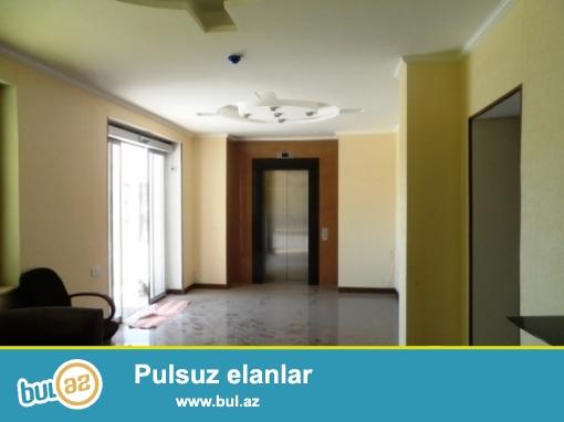 Yasamal rayonu İnşaatcılar metrosu 750kvm  4 mərtəbəli addelni tikili klinika satılır...