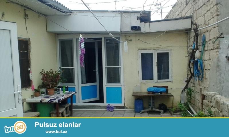 Maştağa Buzovnan yolunda yoldan 150 mt məsafədə marşuruta yaxın yerdə 1...