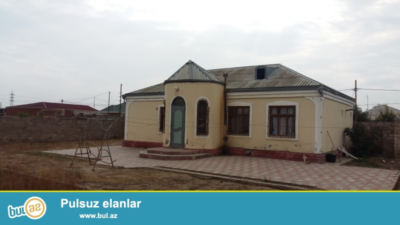 Buzovna rayon Albali qesebesinde 6 sot heyetin icinde 103 kv ev satilir 4 oltaqlildir bir otaq temirsiz diger otaqlar orta temirlidir...