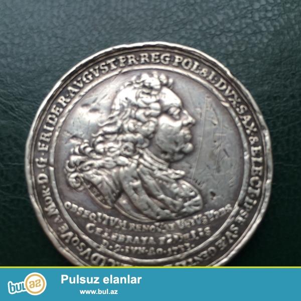 Gumusdu 1733 cu ilindi ela veziyetdedi deyerli puldu qiymete qalanda xaricde satilsa cox baha qiymete satilar