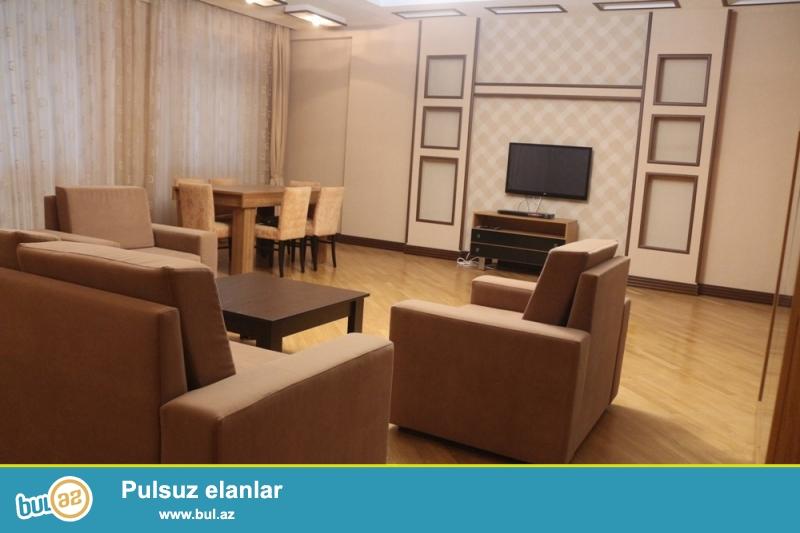 Yasamal Rayonu Murtuza Muxtarov küçəsi Nizami Metrosuna yaxin Favorit Marketin Yani 16/5 Ümumi sahəsi 210Kv...