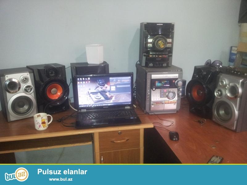 1. Samgung Power Surround Multi Jog Control (gümüşü rəng)<br /> Dinamika: 2 Surround (Bass/High)<br /> Səs gücü: 2100w<br /> USB: Yoxdur<br /> CD: 3 cd out, mp3, Audio Cd, DVD<br /> Pult: Yoxdur<br /> Radio: Var<br /> Karaoke: Var (2 Microphone Out) + Mic Level<br /> Aux: İn/Out<br /> Video: İn<br /> Audio Kaset: 2 ədəd<br /> FX EQ: 7<br /> Problem: Yoxdur! Alınıb 450 AZN...