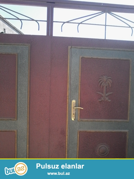 Bineqedi qesebesi, Herbi komissarligdan asagi, das bazarinin yani, 3 otagli, 90 kv m ev...