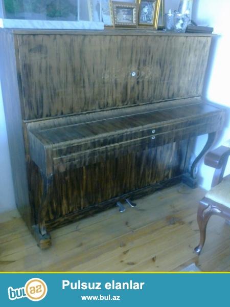 adi terek bestekar pianinosu olubdu yaxsi islek veziyetdedir tecili satilir heyet evindedir real alicilar elaqe saxlasin sekilleri var