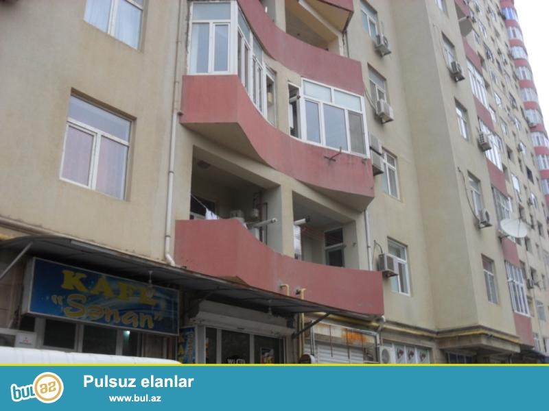 Срочная продажа.<br /> Ени Ясамал, около «Günəş Petrol» в полностью заселенной новостройке продаётся 1 перед...