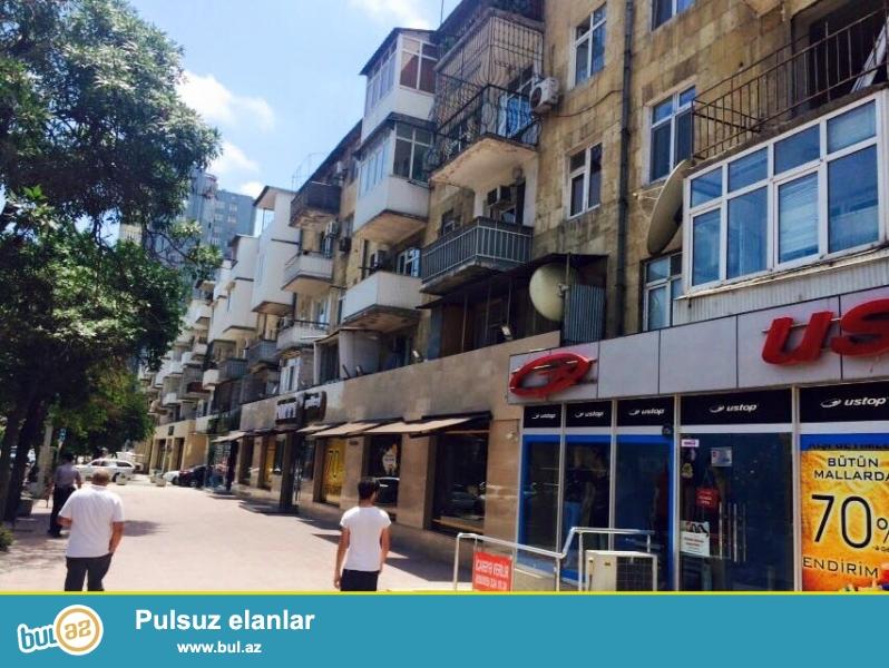 Очень Срочно!<br /> Экологически-чистый район - на проспекте Азадлыг, около «КОАЛА ПАРК»-а продаётся 2-х комнатная квартира...