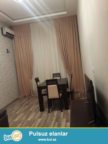 Очень Срочно! По улице Самеда Вургуна   cдается в аренду на долгий срок  2-х комнатная квартира  старого строения  3/3 ...