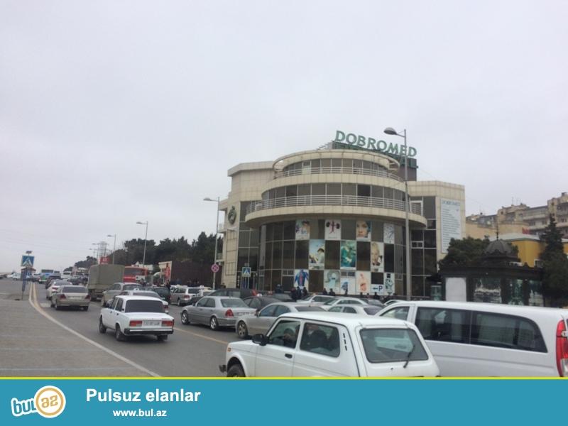 Tecili Obyet KAFE satilir merkezi yolun ustunde yerlesir ,sahesi 70 km olan yaxsi temirli , 90 km heyeti besetkalari ...