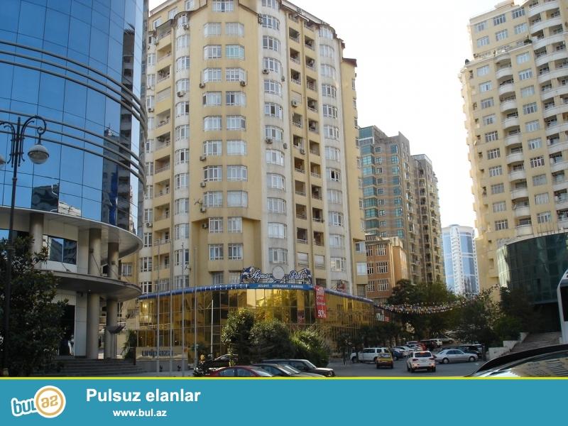 """По улице Р. Бейбутова прямо напротив стеклянного здания Унибанка в здании """" Аква Парк""""..."""