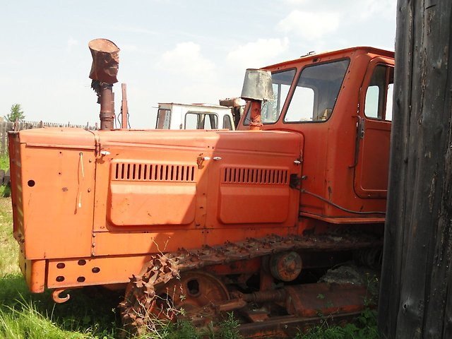 Mene ;;T4A\\\'\\\'traktoru lazimdir qiymetin razilasmaq problem deyil teki traktor teze olsun saz veziyyetde\r\n