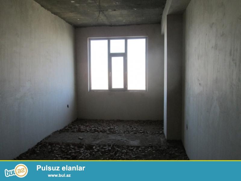 **РУФАТ*АЙНУР** Bineqedi rayonu, Ataturk prospekti, Lido restoraninin yaxinliqinda yerlesen yasayis kompleksinde pod mayak 4 otaqli menzil satilir...