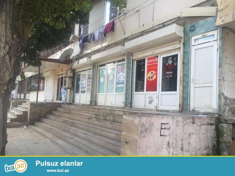 Sabunçu rayonu Razin qəsəbəsi, Sulh küçəsi İcra hakimiyyətinin yanı lelinqrad lahiyə 9-1, 3 otaqlı obyekt satılır...