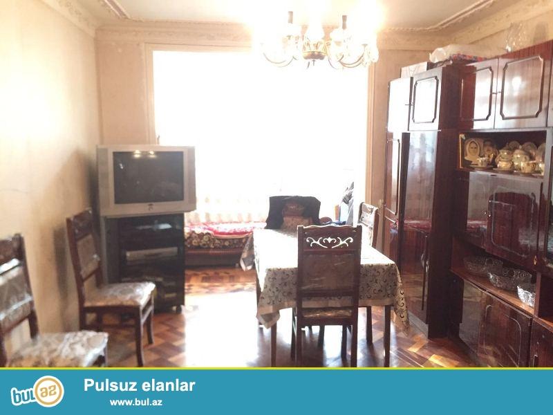 Yasamal rayonu, H.Cavid pr., Z.Əliyeva məktəbinin yanı, 5 mərtəbəli binanın 2-ci mərtəsində, 3 otaqlı mənzil satılır...