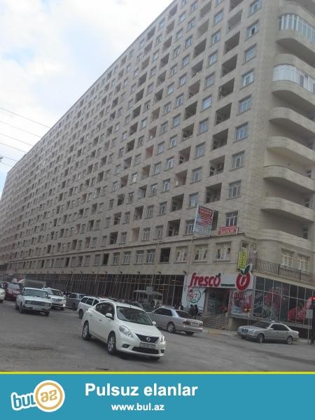 xırdalanın mərkəzində QAZLI KUPÇALI heydər əliyev prospektində 16 mərtəbəli binanın 9-cu mərtəbəsində supertəmirli ev satılır...