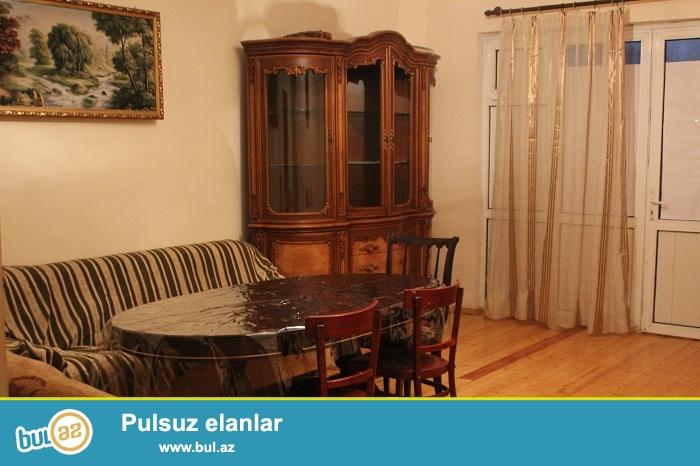 Posyolka Kirovda Azadliq metrosundan 2-3 ostanovka aralida heyet evinin 2-ci mertebesi kiraye verilir...