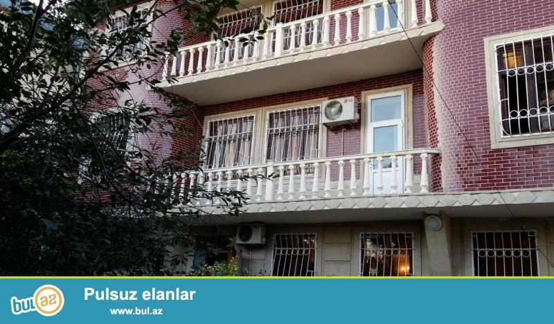 Владелец. Продается трехэтажная вилла, но также возможен обмен на квартиры или объект...