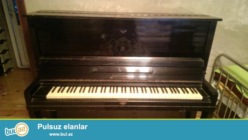 İşlenmiş (az işlenmiş)pianino satılır.2 pedalli belarusiya istehsali olan pianinodur...