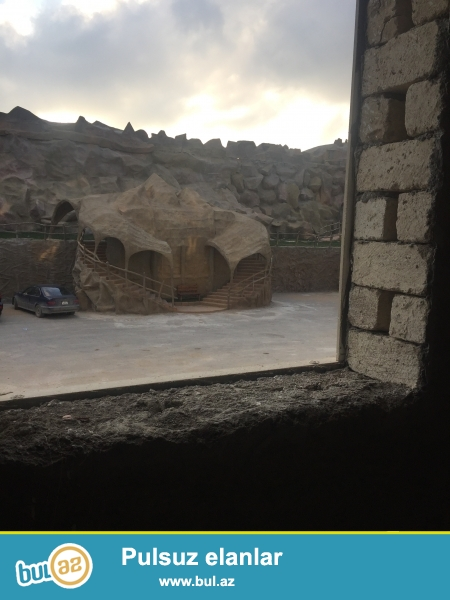 AAAF park yaşayış kompleksində ponaraması şəlaləyə baxan skvaznoy 2 otağlı mənzil satılır...