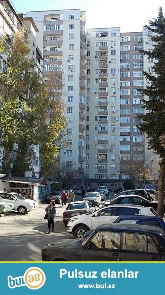 Nesimi Rayonu, Tbili prospeki, Yeni tikilien metronun yaninda, QAZLI KUPCALI, yeni tikili binada, umumi sahesi 60m2 olan, ela temirli, 1-den 2-ye duzelme menzil satilir...