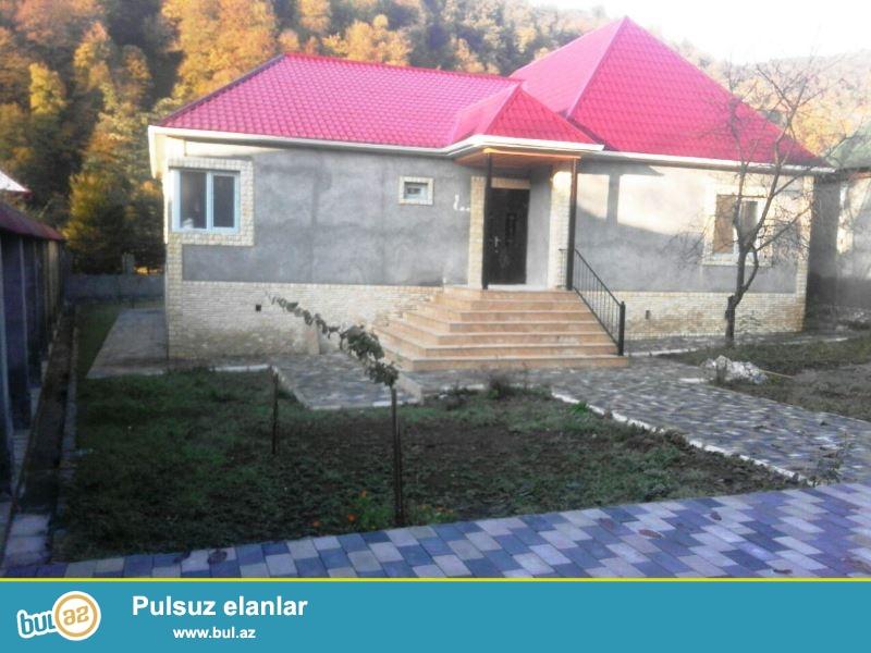 Satılır İsmayıllı rayonu, İstisu kendinde (Qalacıq yolu)-nda 12 sotun içində tikilmiş  bag evi...