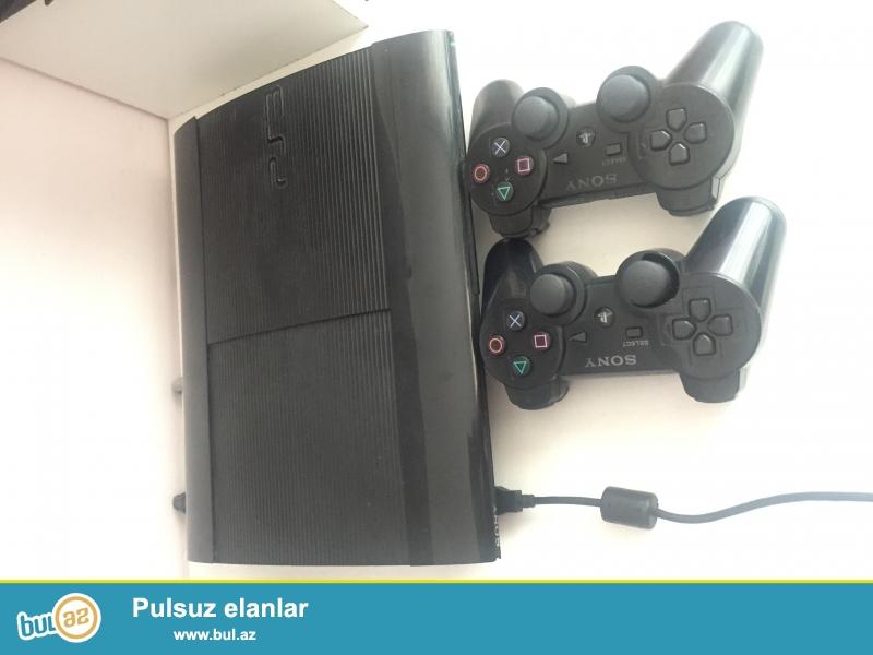 Playstation 3 Super Silim Satilir..icinde 22 oyun var...