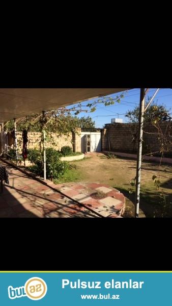 tecili satiram 3 otaqdir kuqnasi hamam tuvaleti evin icindedir  4 sot torpaqdir 120 kv...