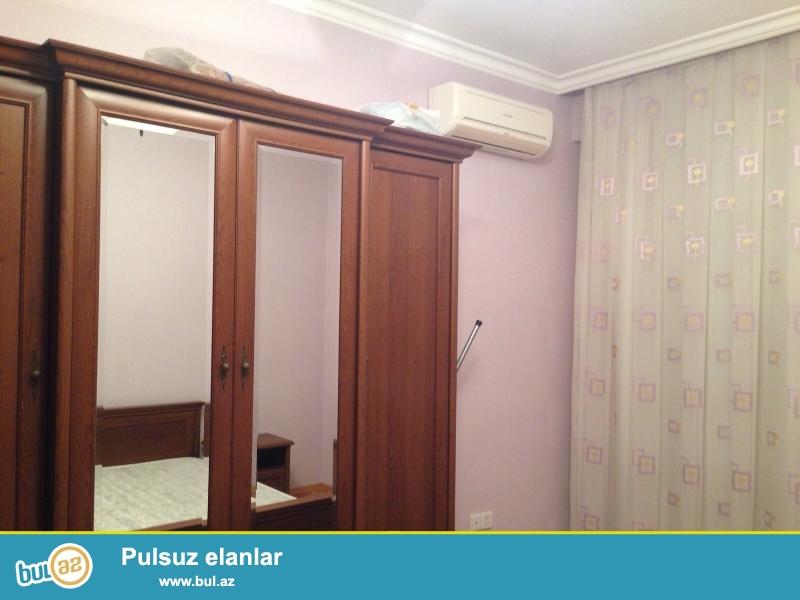 Срочно! Сдается в аренду на долгий срок 2-х комнатная квартира, нового строения, 13 /17, расположенная по улице  Мелик  Меммедова  рядом ресторана   * Шуша *...