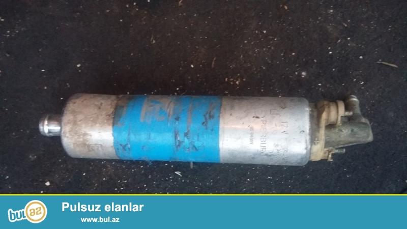 Mersedese benzin nasos(mator 3 2 ili 2001)satilir.islek veziyyetdedir...