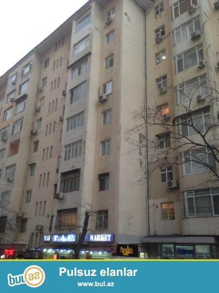Предлагается 3-х комнатная квартира в центре города, в   Ясамальском  районе,  по пр...