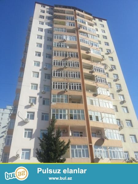 Срочно! В элитной и заселенной новостройке, на территории Ясамальского района по улице Шарифзаде  продаётся 3 комнатная квартира...