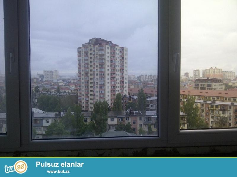Очень срочно! Продается 1 комнатная квартира в Бинагадинском районе, в 6 МКр-е, рядом с метро Насими...