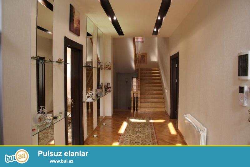 Срочно! Недалеко от м/с Несими в 6-м микрорайоне продается   частный дом - вилла , расположенная на  5...