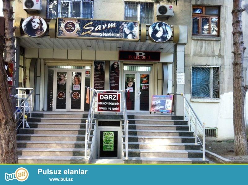 Tecili ..Ehmedli Baki kinoteatrinin yanida hal hazirda failiyetde olan gozelliy salonu satilir,umumi sahesi 60 kv+40 kv podvali,senedleri qaydasindadir...