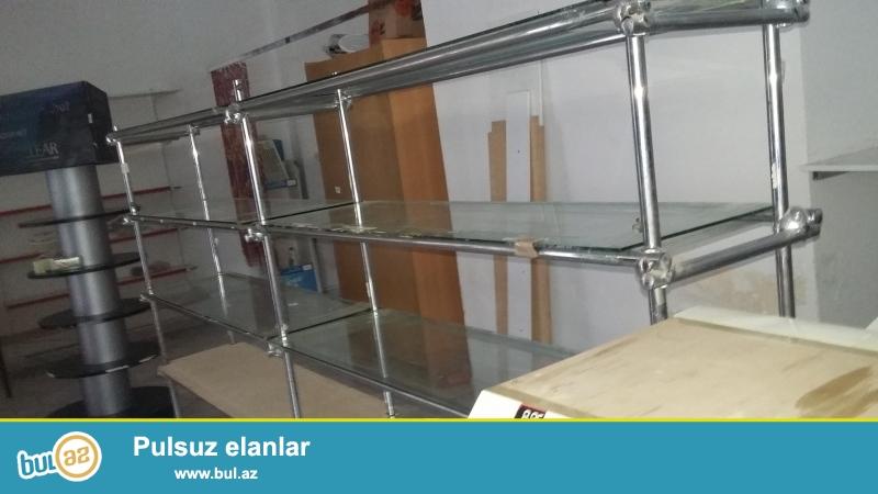 Suse vitrinler satilir.8 metredir.qiymet 1 metresinin qiymetidir,xahis edirem fikri ciddi olanlar zeng elesin.