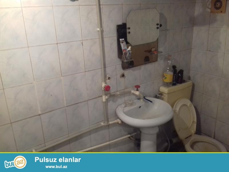 Aşşağı yeri yoxdu.250 manata kirayə verilir..evdə paltaryuyan Ceyran peçi su qızdırıcı var<br /> Qaz su işıq daimidir...