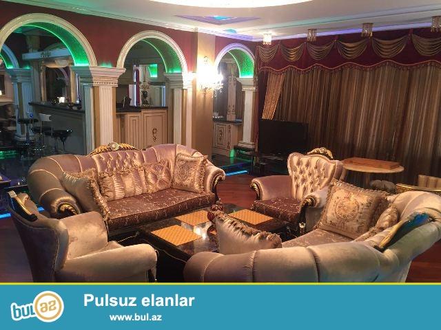 Yasamal rayonu Mətbuat prospektində 16 mərtəbəli Yeni tikili binanın 7-ci mərtəbəsində ümumi sahəsi 330 kv...