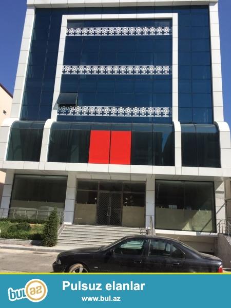 E.RECEBLI kucesi, BIZNES PLAZADA, 8 mertebeli inzibati bina satilir...