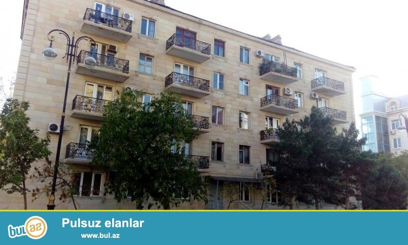 ОЧЕНЬ СРОЧНО!!! В районе Хетаи , рядом с метро Хетаи ,около Гагаринского моста в каменном доме предлагается 3 комнатная квартира с общей площадью 69 кв...