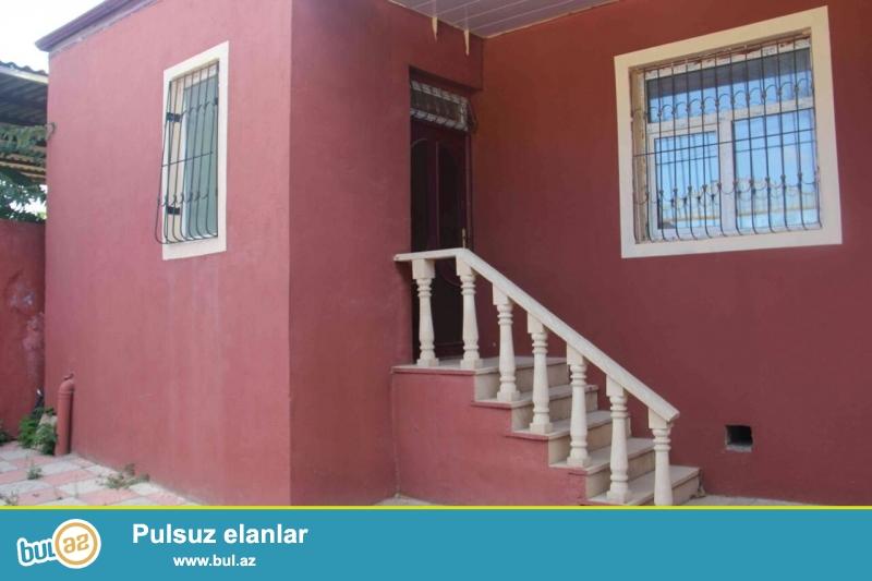 Zabratda maqistral yola marşuruta yaxın 1.5 sot torpaq sahəsində 3 otaqlı  ev satılır...