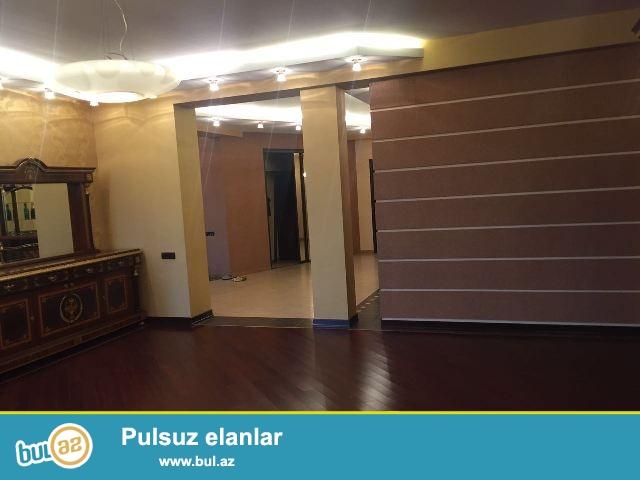 Nəsimi rayonu, Nəsimi rayon polis idarəsinin yaxınlığında yerləşən 15 mərtəbəli binanın 12-ci mərtəbəsində, sahəsi 341 kv...
