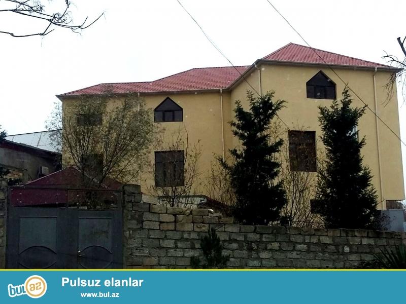 **РУФАТ*АЙНУР** Yeni Yasamal, Sahdaq  sadliq evinin yaxinliqida 3 mertebeli   temirsiz obyekt satilir...