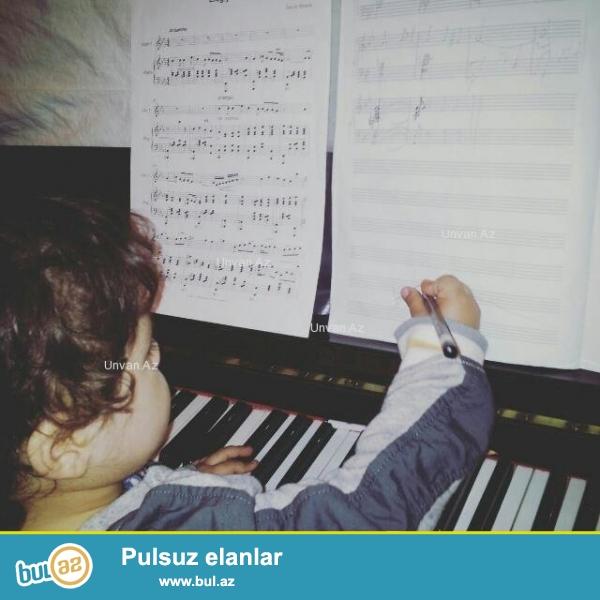 Ali təhsilli muəllimə ushaglara və gadinlara pianino, nəzəriyə ...