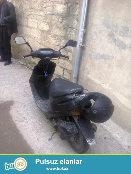 moped dio honda satilir birdene motorun pacennikinde problem var xerci azdi bawqa problem yoxdur real aliciya endirim olacaq ciddi wexsler buyursun (whatshapp)